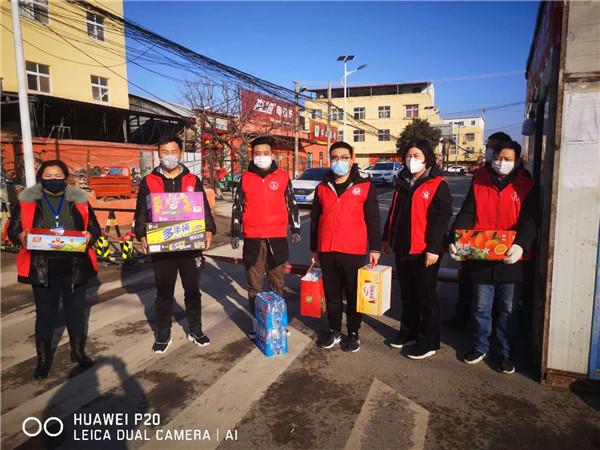 西胡垌社区党员为抗击疫情奉献爱心