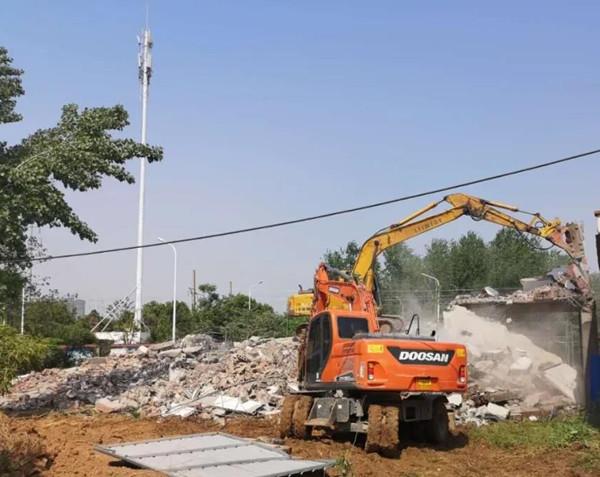 漯河强制拆除市区一处近500平方米违建