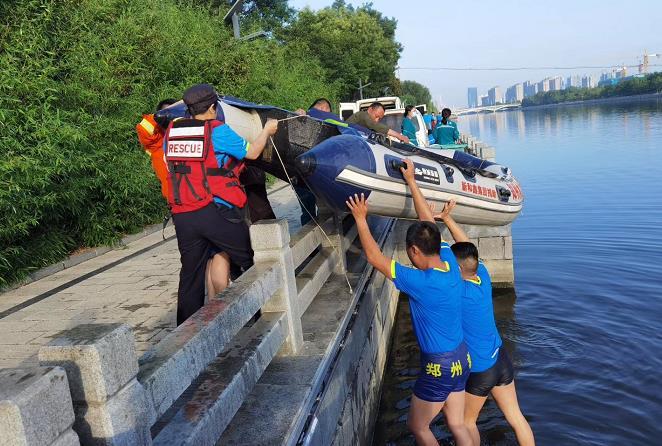 溺行者老牛15年参与打捞473位溺亡者,曾用鱼钩救活坠井男童
