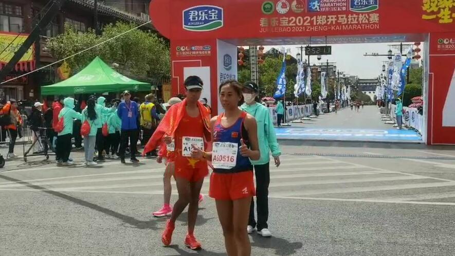 2小时51分48秒!周淑云夺得郑开马拉松女子全程冠军