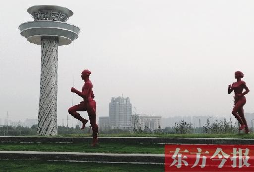 全线8.7公里 123棒火炬手参与 火炬城市实地传递7日在郑举行