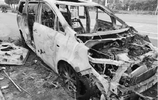 别克GL8因电气故障自燃 消费者买车不到一年遭遇维权难